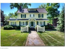 2566 Wellington Rd, Cleveland Heights, OH 44118