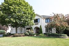 8406 Buckingham Ct, Willow Springs, IL 60480