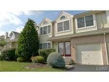 279 Ridings Cir, Mac Ungie, PA 18062