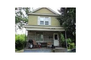 110 S 8th St, Martins Ferry, OH 43935