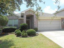 10617 Bluestone Rd, Fort Worth, TX 76108