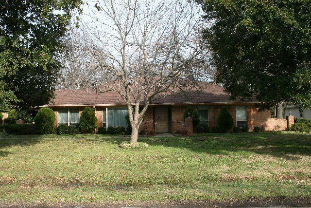 17499 Country Club Dr, Kemp, TX