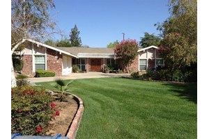 1276 W Alluvial Ave, Fresno, CA 93711