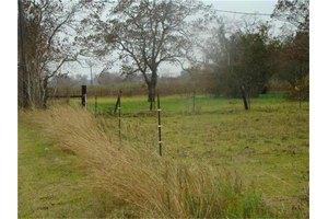 3821 Gatewood Rd, Crosby, TX 77532