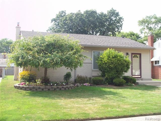 6145 Deering St Garden City Mi 48135 Home For Sale And