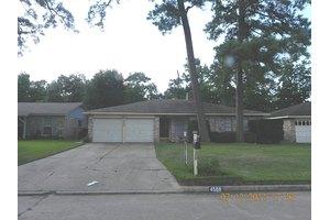 4506 McCleester Dr, Spring, TX 77373