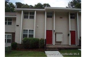 579 Winding Creek Rd Apt E, Fayetteville, NC 28305