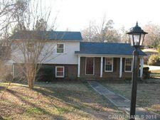 900 Tally Ho Ct, Charlotte, NC 28212