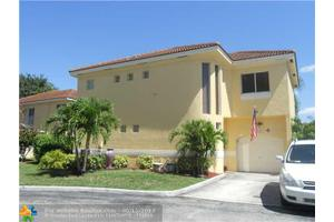 11365 Lakeview Dr # 75-S, Coral Springs, FL 33071