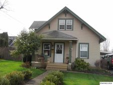 247 S Church St, Silverton, OR 97381