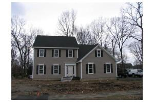 61 Old Brook Rd, Shrewsbury, MA 01545