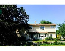 50 Rockland St, Dartmouth, MA 02748