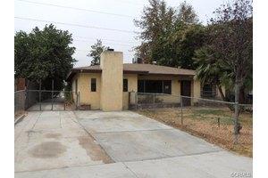 1879 Wallace Ct, San Bernardino, CA 92408
