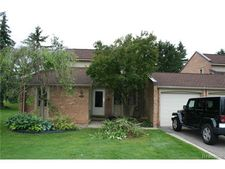 3078 Moon Lake Dr, West Bloomfield, MI 48323