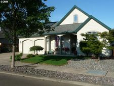 1093 S Sycamore St, Canby, OR 97013