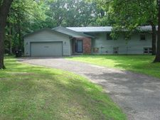 8380 Pleasant View Dr, Mounds View, MN 55112