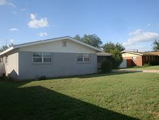1613 E 12th St, Sweetwater, TX 79556