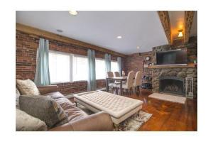 158 Commercial St Apt 4, Boston, MA 02109