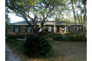 10235 Canal Cir, Fairhope, AL 36532
