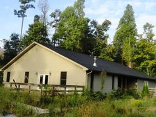 1565 Hedgespeth Rd, Campbellsville, KY 42718