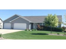 127 Bengal Ln, Wrightstown, WI 54180