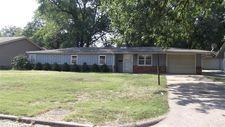903 E 3rd St, Cherryvale, KS 67335