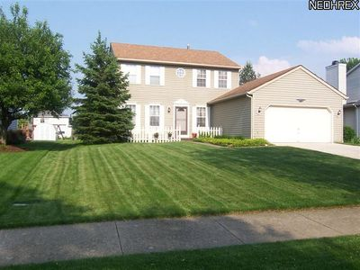 23710 Sawmill Bnd, Olmsted Falls, OH