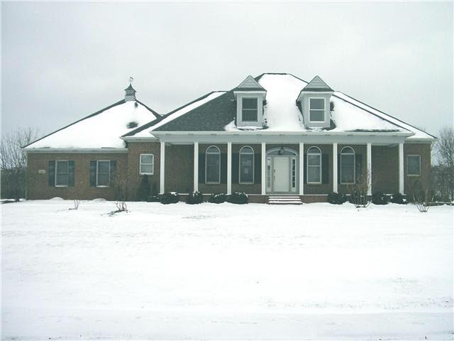 13603 Violet Meadows Blvd, Pickerington, OH