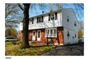 681 S 6th Ave, Royersford, PA 19468