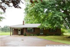 1797 Sycamore Rd, Independence, MS 38618