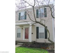 45 Valley Forge Ln, Elyria, OH 44035