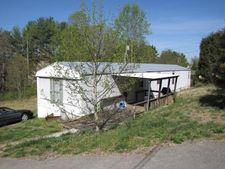 599 Deerfield Ln, Somerset, KY 42501