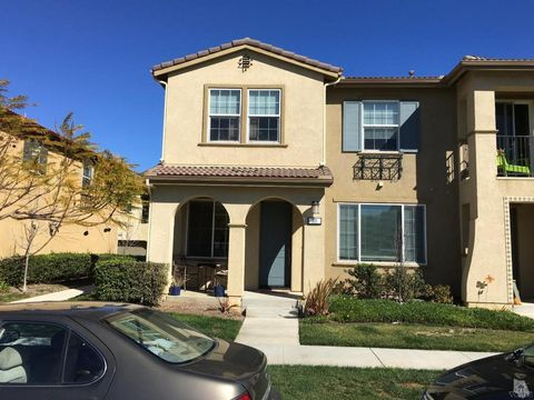 311 American River Ct, Oxnard, CA 93036
