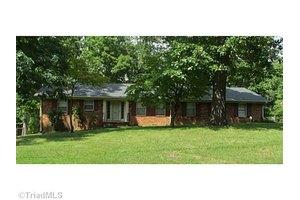 505 Forestdale Dr, Jamestown, NC 27282
