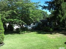 11 Solitaire Rd, Rocky Point, NY 11778