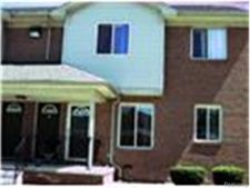 18530 E 14 Mile Rd, Fraser, MI 48026