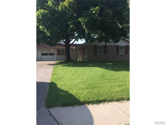 433 s pam ave  saint charles  mo 63301 home for sale and