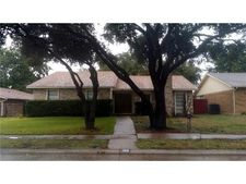 4909 Crawford Dr, The Colony, TX 75056
