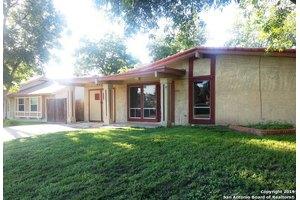 6831 Blue Lake Dr, San Antonio, TX 78244