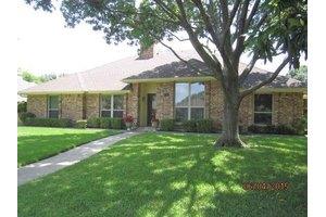 1326 Meadow Ridge Dr, Duncanville, TX 75137