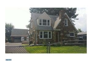 906 Second Ave, Croydon, PA 19021