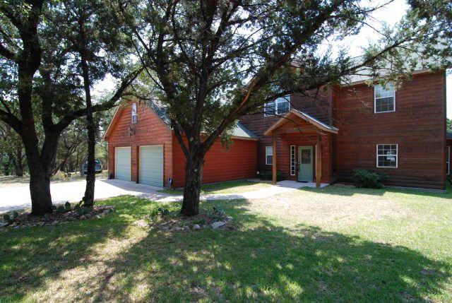 2913 Cliffview Ct, Granbury, TX 76048