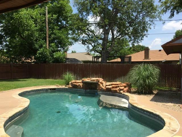 5904 Steeplewood Dr, North Richland Hills, TX 76180