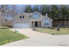12303 Rule Hill Ct, Maryland Heights, MO 63043