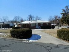 2006 New Castle Rd, Greensboro, NC 27406