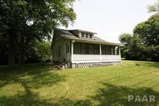 225 Arnold Rd, East Peoria, IL 61611
