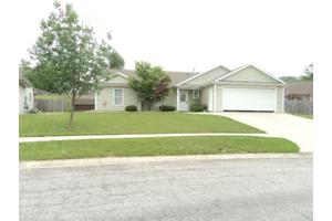 808 Steven Lee Dr, Angola, IN 46703