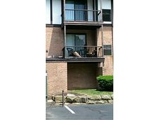 2012 Thornberry Dr, Ross Township, PA 15237
