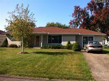 868 Marion St, Sheffield Lake, OH 44054