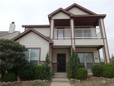 11021 Colonial Heights Ln, Fort Worth, TX 76179